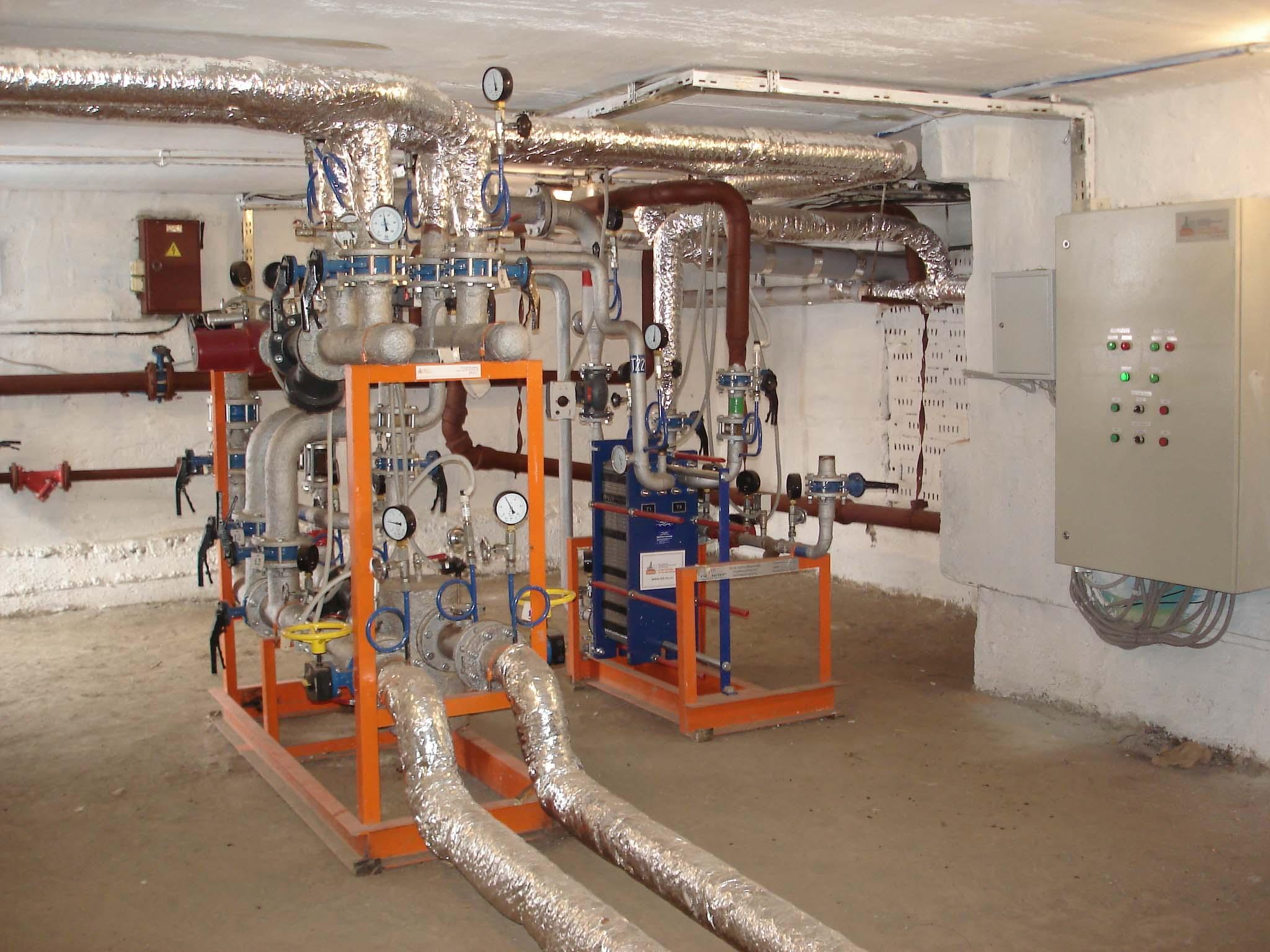 Тепловые сети... теплогенерирующие предприятия.  Изготавливается в заводских условиях и поставляется для монтажа в...